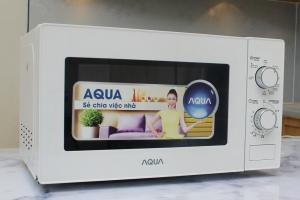 Lò vi sóng Aqua 20 lít AEM-G2135W