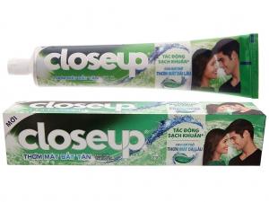 Kem đánh răng Closeup bạc hà thơm mát bất tận 230g